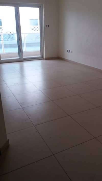 Studio for Rent in Bur Dubai, Dubai - Spacious Studio with all modern amenities in Al Raffa Building