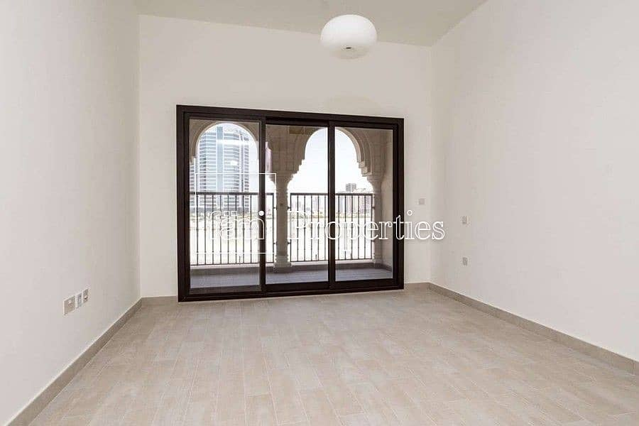 BRAND NEW - READY TO MOVE IN - SPACIOUS