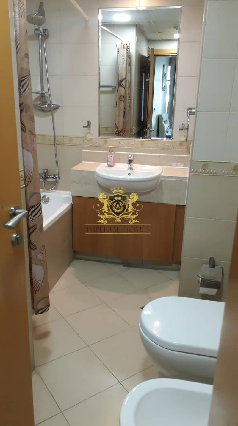 10 Lovely Furnished 2 Bed Close to Metro