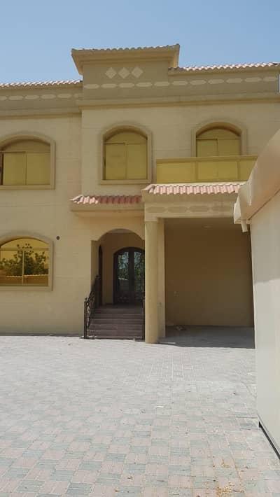 فیلا في المويهات 5 غرف 73000 درهم - 4583497