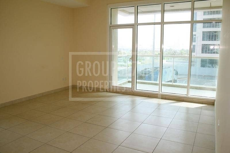 VeryLarge 2 Beds Apartment for Rent in Al Seef JLT