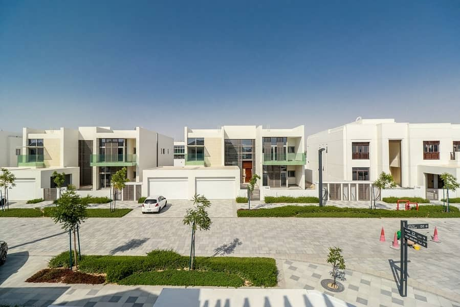 11 Fully Landscaped - Luxury 4 BR Mediterranean