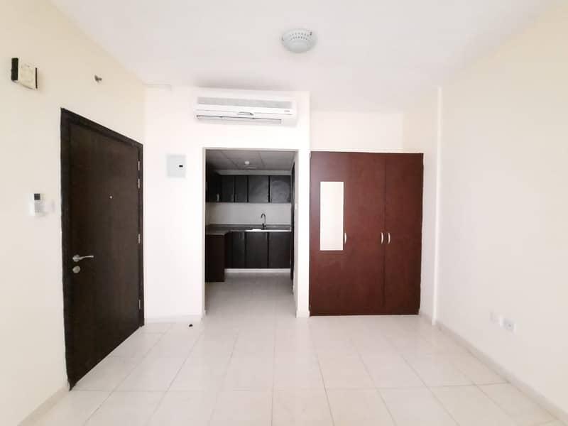Very Big Size Studio With Wardrobe Rent 16k In Muwaileh University Area