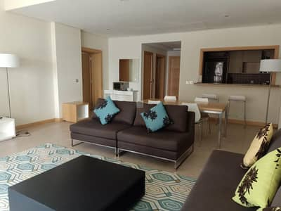 1 Bedroom Flat for Rent in Palm Jumeirah, Dubai - 1 month Free I Chiller Free I Beach Access I Elegant Furnished