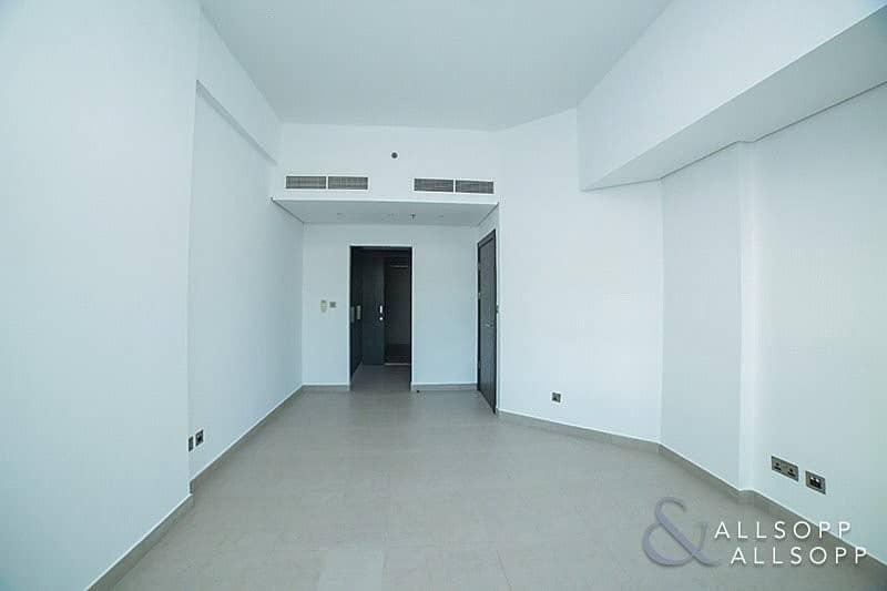 10 Modern Duplex Apartment   Skyline View