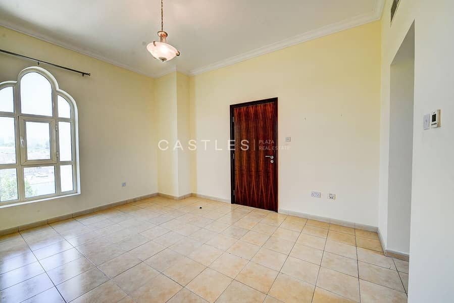 42 Upgraded 4 bed+maids Entertainment Foyer