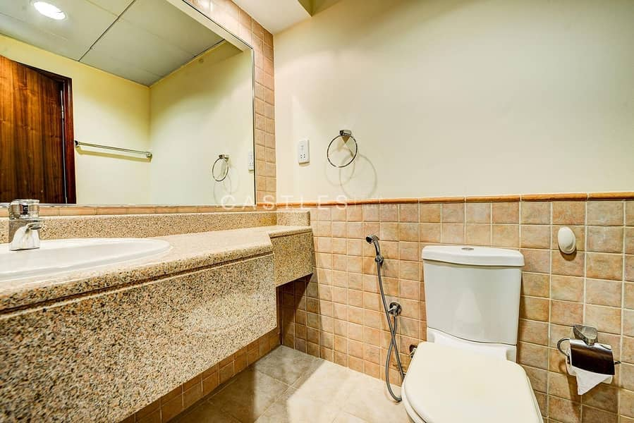 19 Upgraded 4 bed+maids Entertainment Foyer