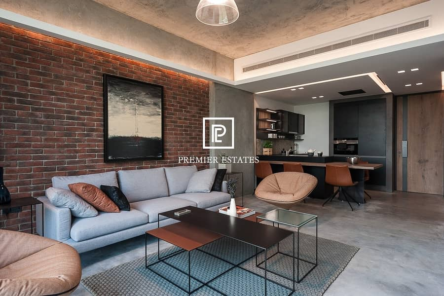 2 Superb 2 bedroom Apartment | Urban Style Pool View