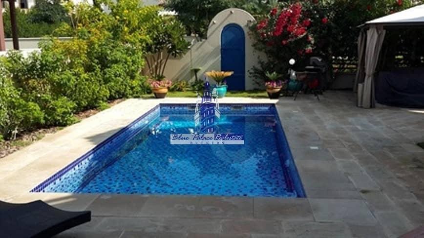 2 Valencia 5br M  Corner Plot with Private Pool