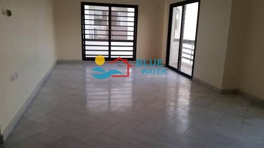 3 Bedroom Flat for Rent in Al Karamah, Abu Dhabi - No Commission Spacious 3br Flat with Parking.