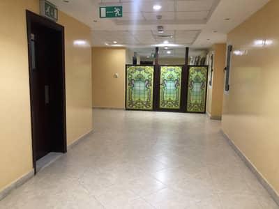 شقة في شارع الرقة الرقة ديرة 2 غرف 70000 درهم - 4586060
