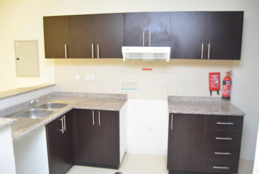 10 Price  Reduced - 1 Bed Room Vacant - Bright Layout