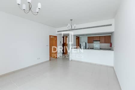1 Bedroom Flat for Rent in The Greens, Dubai - Well-maintained 1 Bedroom Corner Apartment