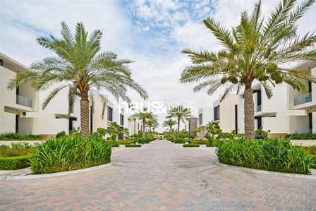 6 Bedroom Villa for Sale in Jumeirah Golf Estate, Dubai - Exceptional mansion in the heart of JGE