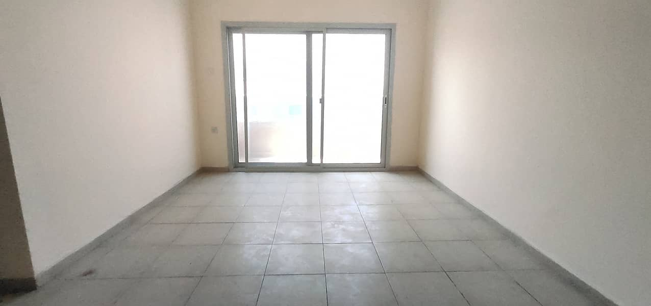 HUGE SIZE APARTMENT 1 BHK WITH BALCONY OPP SAHARA MALL IN JUST 25 K
