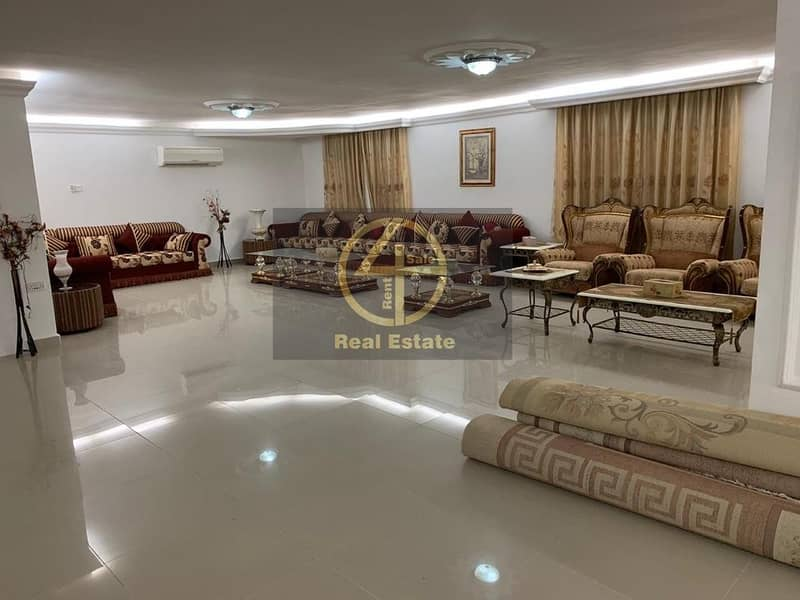 Great 3 Villas  With Palace Design in Bani Yas