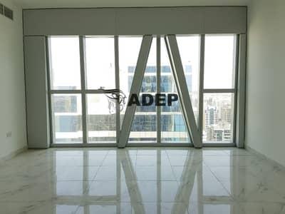 شقة 2 غرفة نوم للايجار في شارع الكورنيش، أبوظبي - شقة في برج لاند مارك شارع الكورنيش 2 غرف 90000 درهم - 4588424