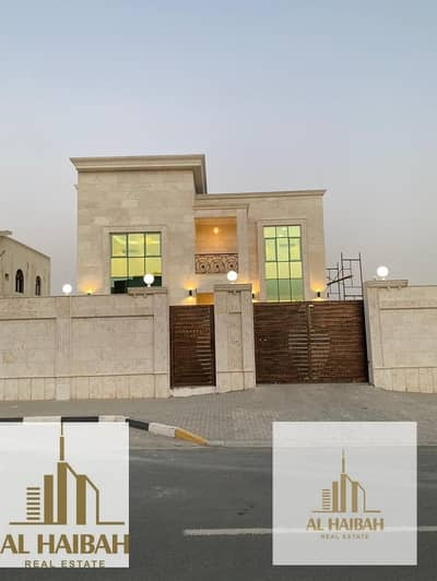 فیلا 5 غرف نوم للبيع في طرفا، الشارقة - For sale new two-storey villa in Tarfana with a full stone facade corner of two streets