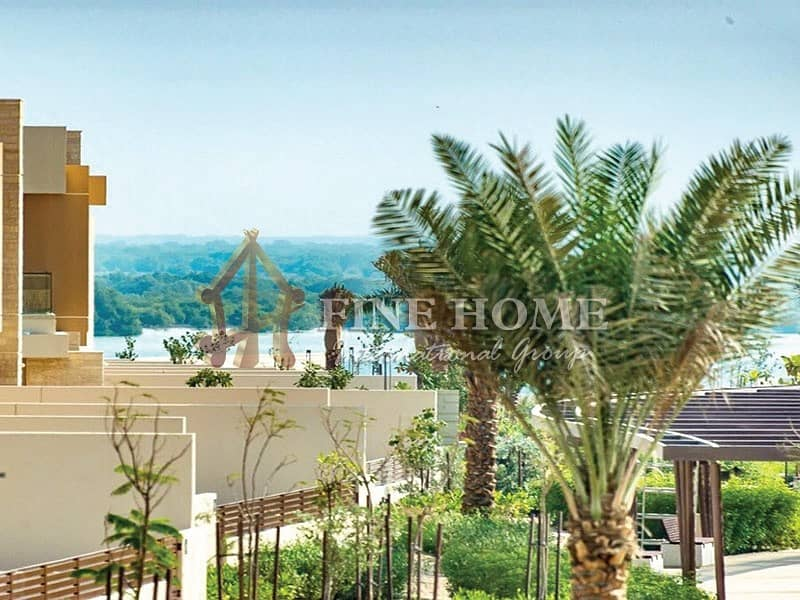 Amazing  sea view  5 BR. villa in Hidd Al Saadiyat