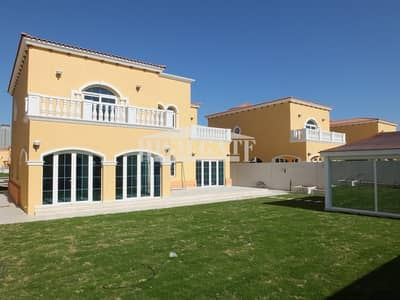 5 Bedroom Villa for Rent in Jumeirah Park, Dubai - 5BR Legacy Style Villa Extended Park Facing D2