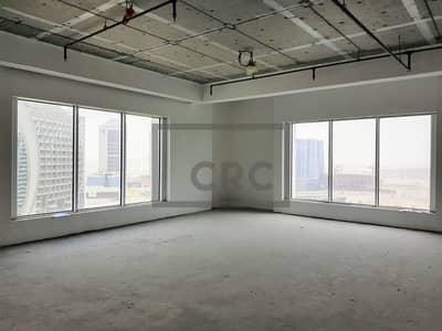 مکتب  للبيع في الخليج التجاري، دبي - Shell & Core Office | Canal View | Mid Floor