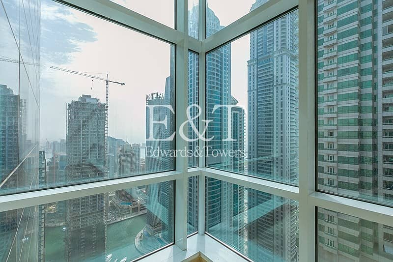 19 2BR Apt on High Floor with Fantastic View