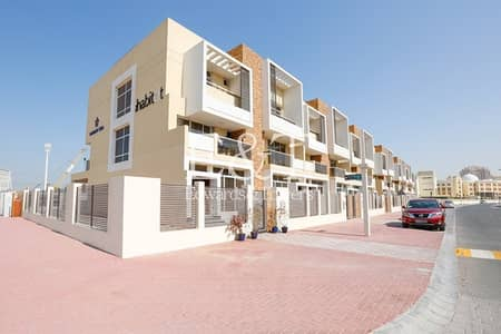 تاون هاوس 4 غرف نوم للبيع في قرية جميرا الدائرية، دبي - Well Priced | Corner 4 Bed + Maid's TH | JVC