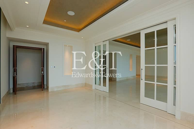 2 Downtown Views | Full floor | Vacant
