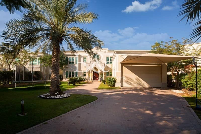 10 Park Facing | Pool | Immaculate Condition  | JP