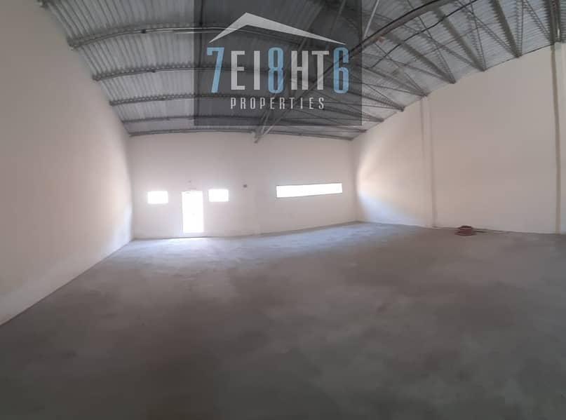 2 600 sq ft whouse for storage use + high ceiling + toilet for rent in Ras Al Khor