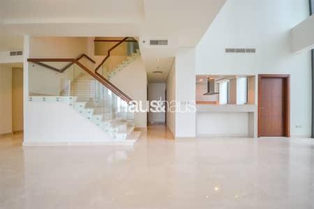 بنتهاوس 5 غرف نوم للايجار في وسط مدينة دبي، دبي - Stunning Triplex | Massive Outdoor Space