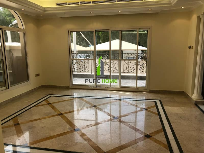 2 Elegant Villa with 5 Master Bedrooms and Balcony