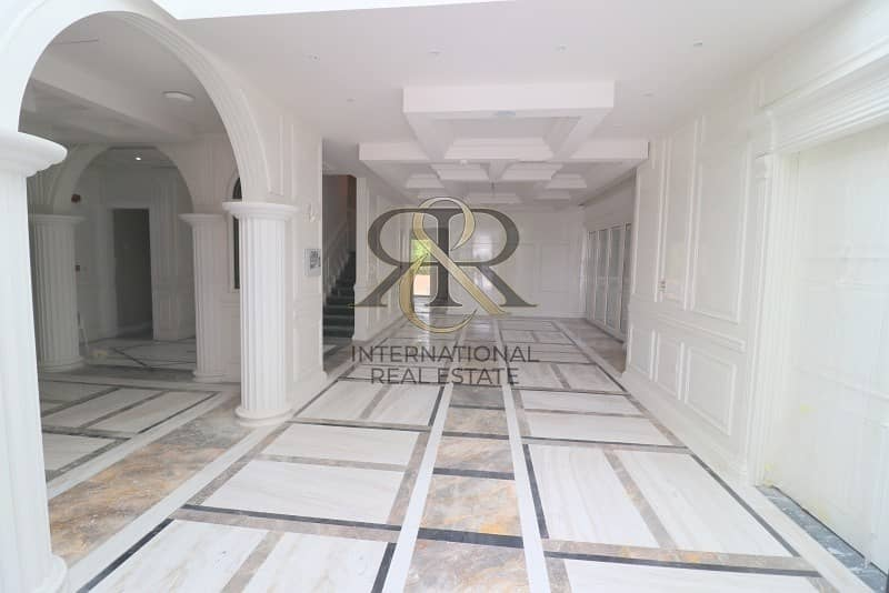 2 Luxury Mansion I Spacious 5 Beds I Extended Plot