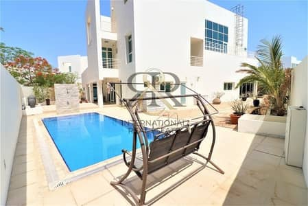 5 Bedroom Villa for Sale in Al Sufouh, Dubai - Independent 5Beds Villa with private elevator/pool