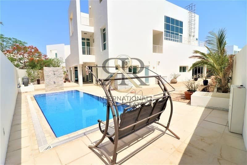 Independent 5Beds Villa with private elevator/pool