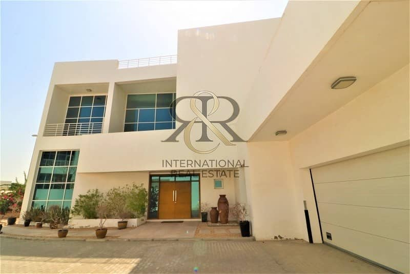 2 Independent 5Beds Villa with private elevator/pool