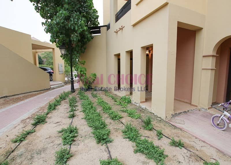 13 12 cheques   Ground floor 2br villa with direct access to greenery