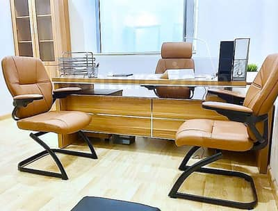 Office for Rent in Bur Dubai, Dubai - AED 25000 - 30000 | Serviced and Furnished Offices| Al Musalla Towers| Near Fahidi Metro|Direct from Owner