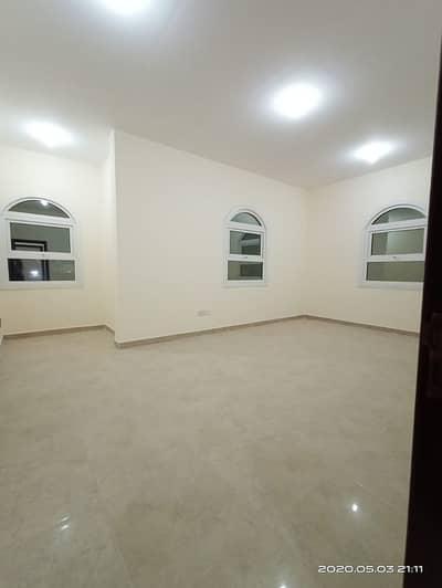 شقة 2 غرفة نوم للايجار في الشوامخ، أبوظبي - شقة في الشوامخ 2 غرف 45000 درهم - 4590878