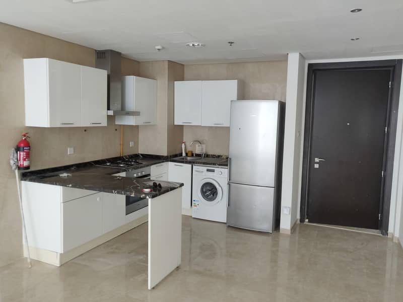 2 FITTED KITCHEN|OPP TO CAREFORE|NEW METRO