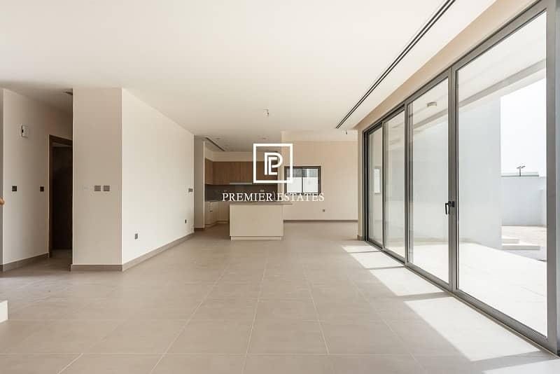 2 Single Row|Close to Pool and Park| 5 Bedroom Villa