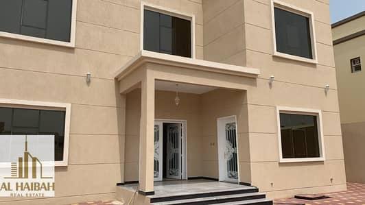 فیلا 5 غرف نوم للبيع في العزرة، الشارقة - For sale new two-storey villa in Al-Azra with electricity and water