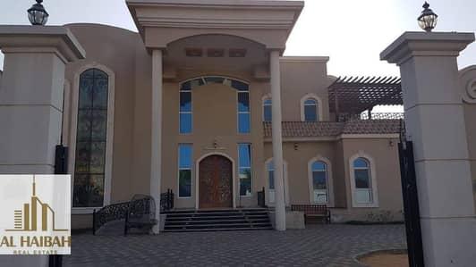 فیلا 5 غرف نوم للبيع في القرائن، الشارقة - For sale two-storey villa with clues personal finishes