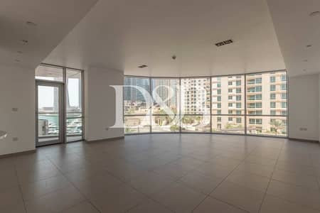 3 Bedroom Flat for Rent in Dubai Marina, Dubai - Big Layout | Modern Finishings | Maids & Study