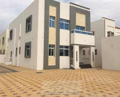 5 Bedroom Villa for Sale in Musherief, Ajman - Villa for sale in Musheiref area first area super lux finishing