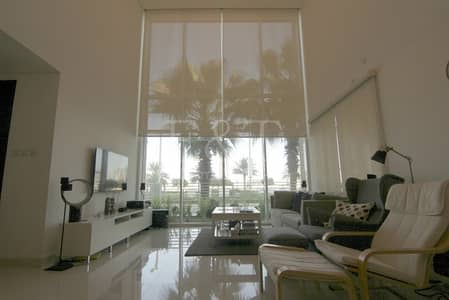 2 Bedroom Townhouse for Sale in Al Reem Island, Abu Dhabi - High End Fantastic 2 bed Townhouse +Terrace +Store