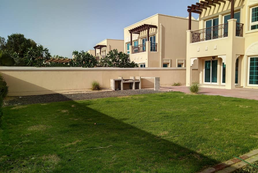 2 Right in the Center Of the Community   Perfect Villa Living  