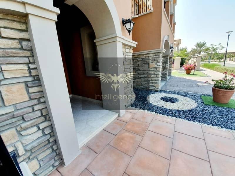2 Exclusive Villa w/ Beautifully Landscaped Garden!