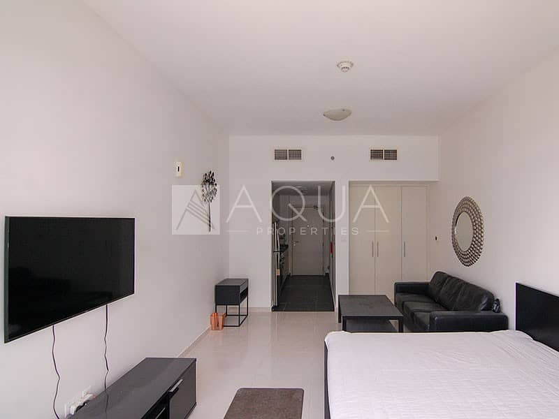 10 Fully Furnished Studio Unit   6 Cheques