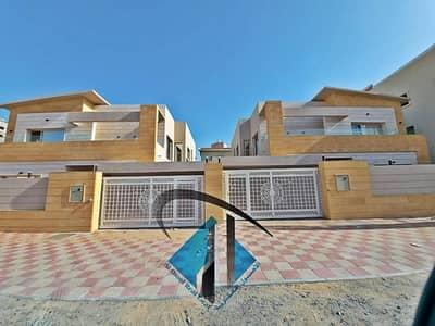 للبيع من افخم وارقى الفلل في سوق عجمان فيلا تتكون من 6 غرف ماستر فيلا مقابل مسجد وايضا الفيلا ثالث قطعة من شارع الشيخ عمار